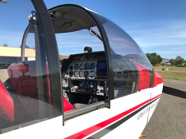 Cockpit DR-400